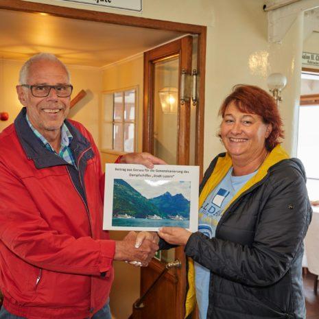 Einsammeln der Lüfter mit den Spenden für die Sanierung des Dampfschiffes DS Stadt Luzern am 18.10.2018